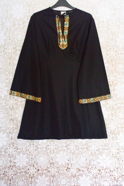 70s Embroidered Contrast Dress