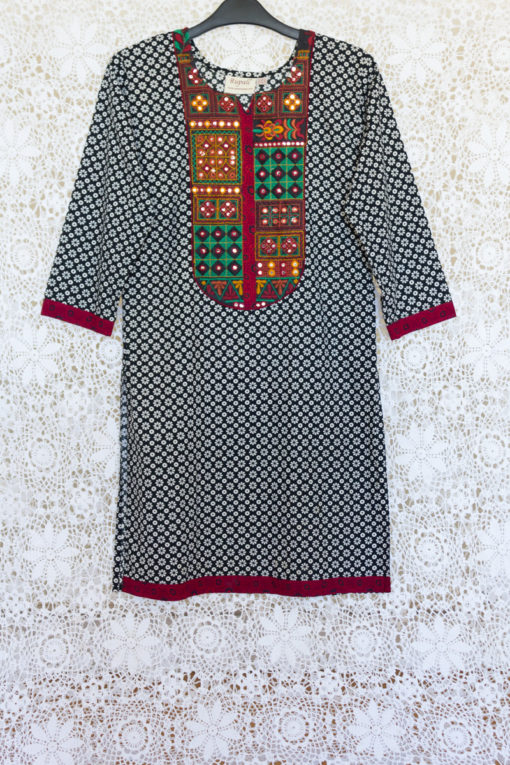 90s Embroidered  Indian Tunic